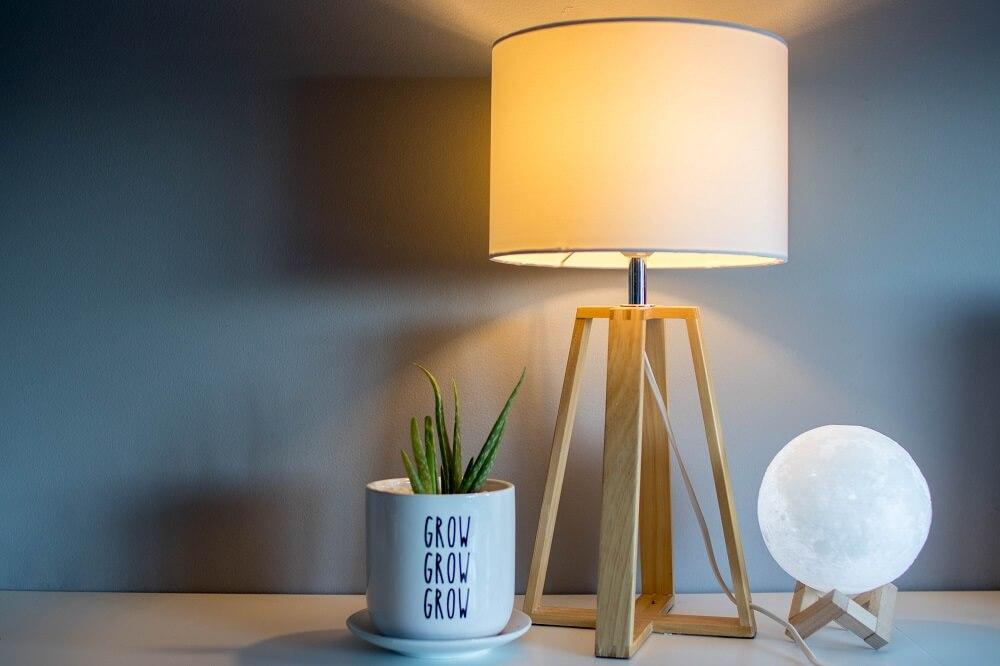 trendy na 2020 w stołowych lampach do czytania