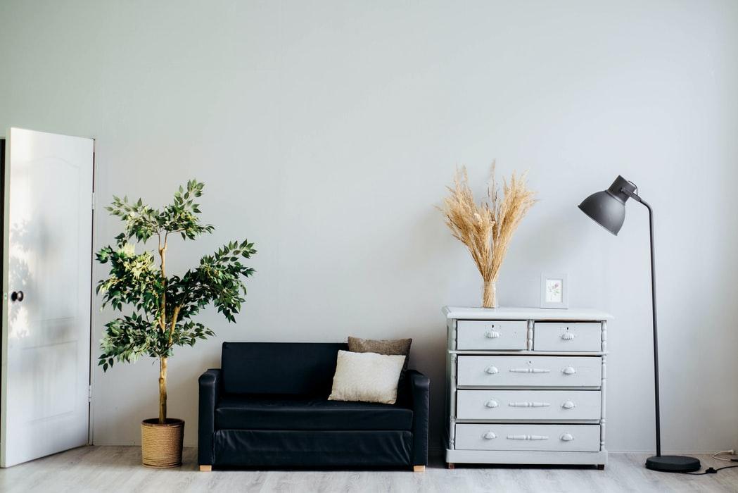 Jakie wybrać oświetlenie do małego pomieszczenia